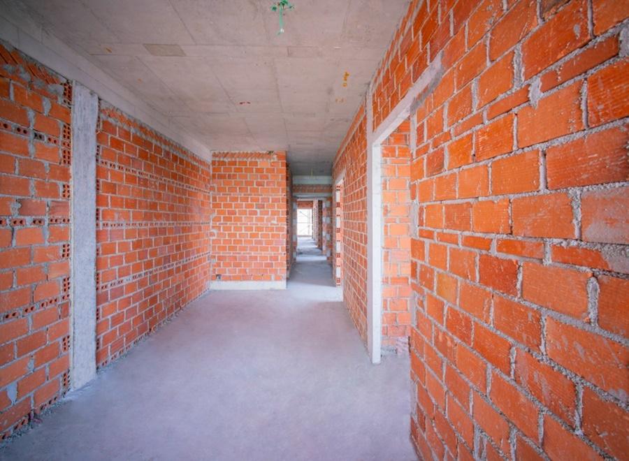 Thi công tường bao căn hộ tầng 14 Block Flamenco
