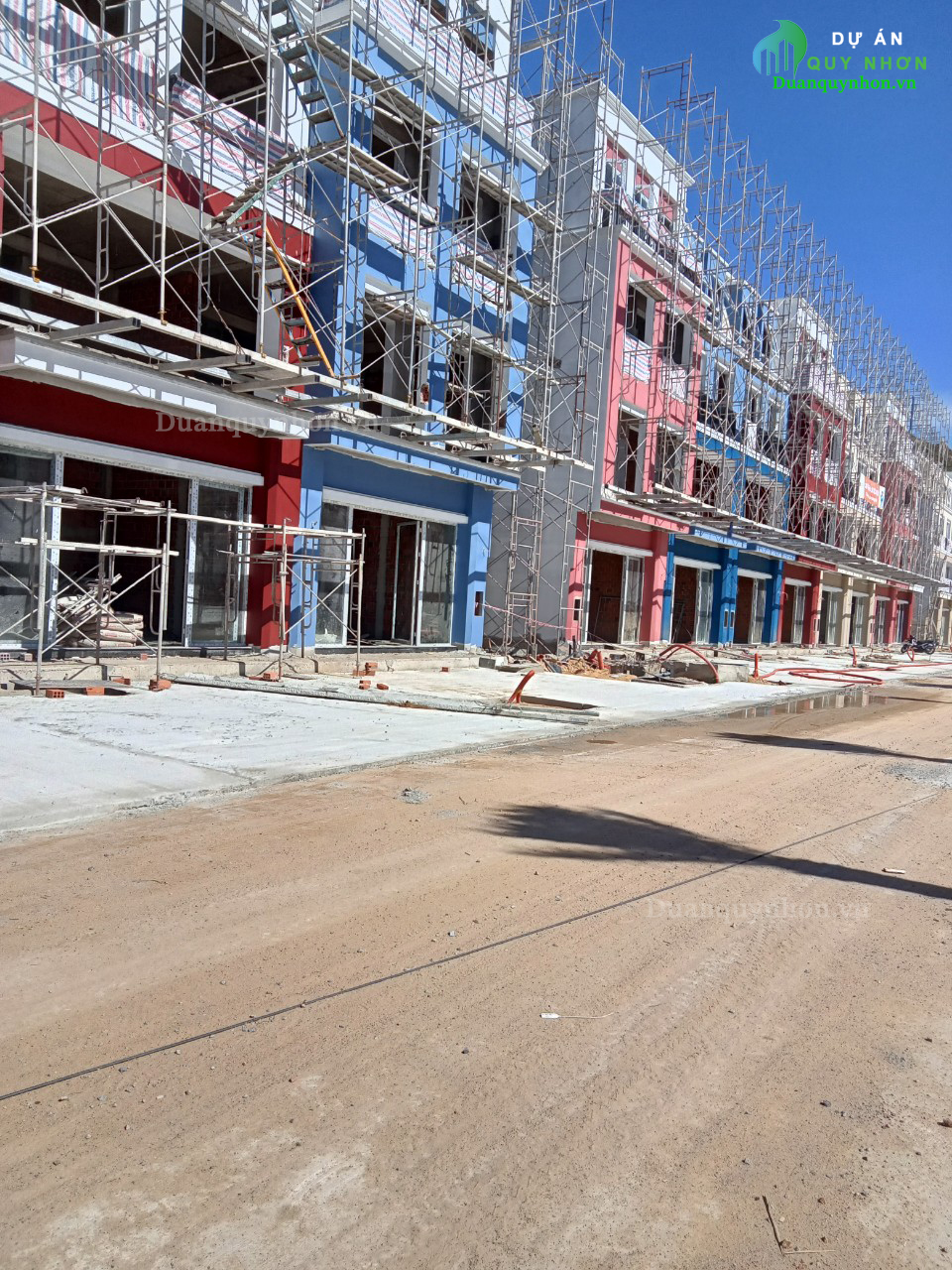 Khu Shophouse dự án Merry Land Quy Nhơn dần hoàn thiện
