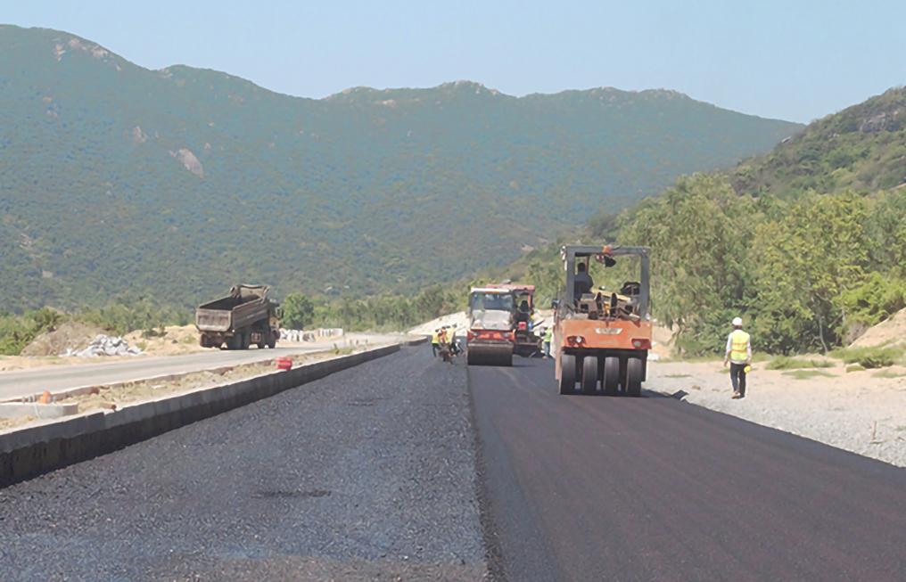 Ðẩy nhanh tiến độ – hoàn thành đúng hạn dự án đường ven biển Bình Định